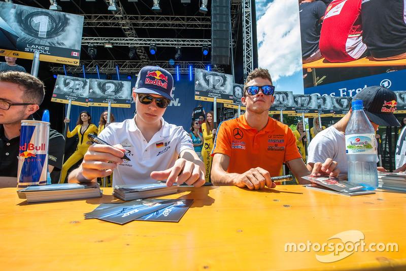 İmza seansı David Beckmann, kfzteile24 Mücke Motorsport Dallara F312 - Mercedes-Benz, Mikkel Jensen,