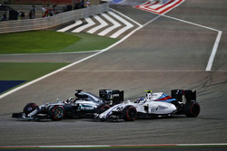 Lewis Hamilton, Mercedes AMG F1 Team W07 and Valtteri Bottas, Williams FW38