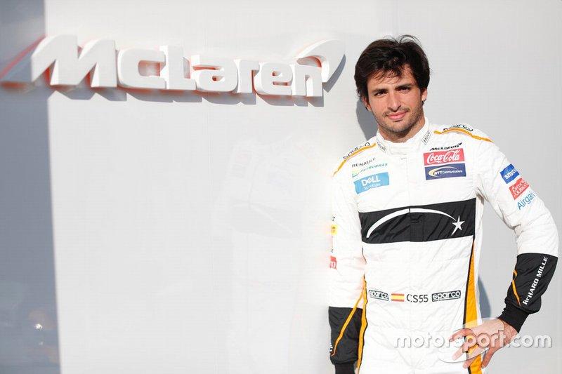 Carlos Sainz Jr., McLaren at the Abu Dhabi Testing