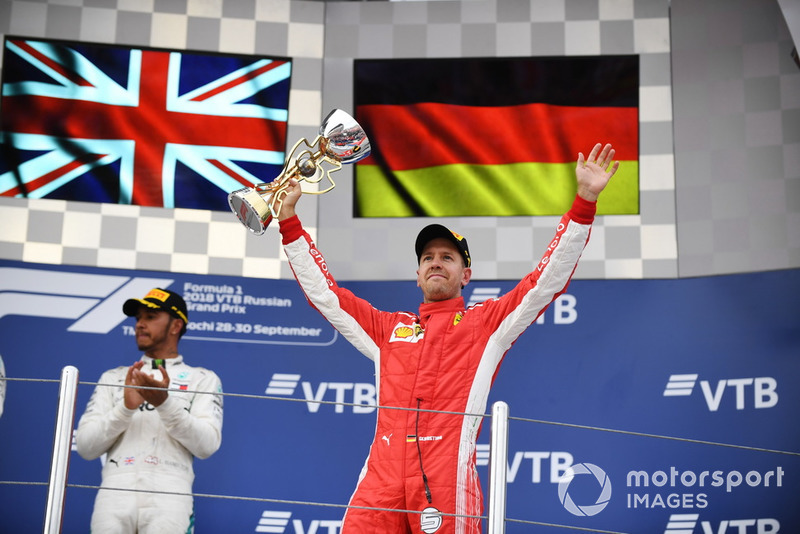 Podio: tercer lugar Sebastian Vettel, Ferrari celebra