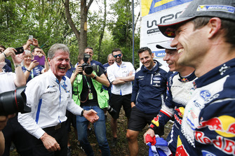 Los campeones del mundo 2018: Sébastien Ogier, Julien Ingrassia, Ford Fiesta WRC, M-Sport Ford con Malcolm Wilson