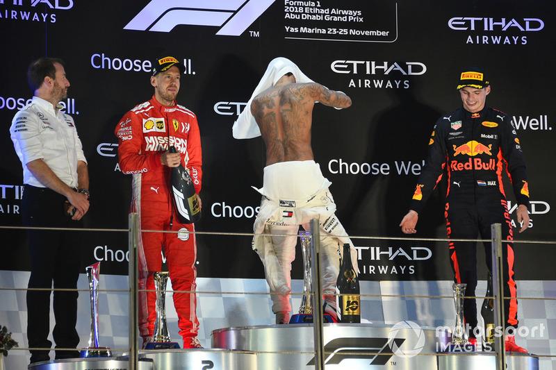 Директор Mercedes з комунікацій Бредлі Лорд, Себастьян Феттель, Ferrari, Льюіс Хемілтон, Mercedes AMG F1, Макс Ферстаппен, Red Bull Racing