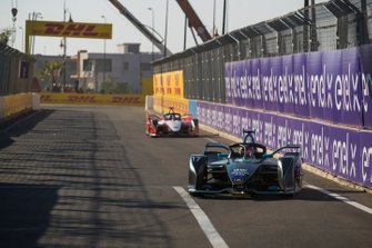 Gary Paffett, HWA Racelab, VFE-05, Pascal Wehrlein (DEU), Mahindra Racing, M5 Electro