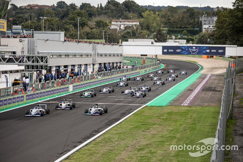 F4 Qualifying Race, start