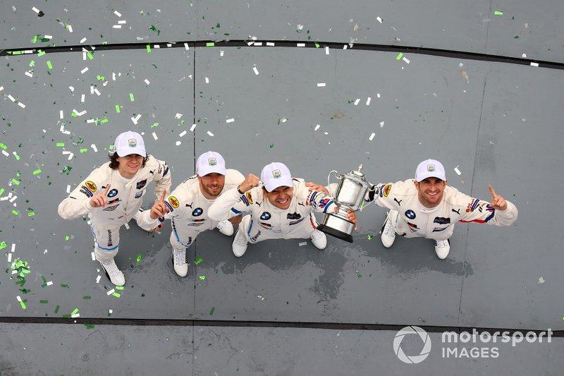 I vincitori GTLM, #25 BMW Team RLL BMW M8 GTE, GTLM: Augusto Farfus, Connor De Phillippi, Philipp Eng, Colton Herta