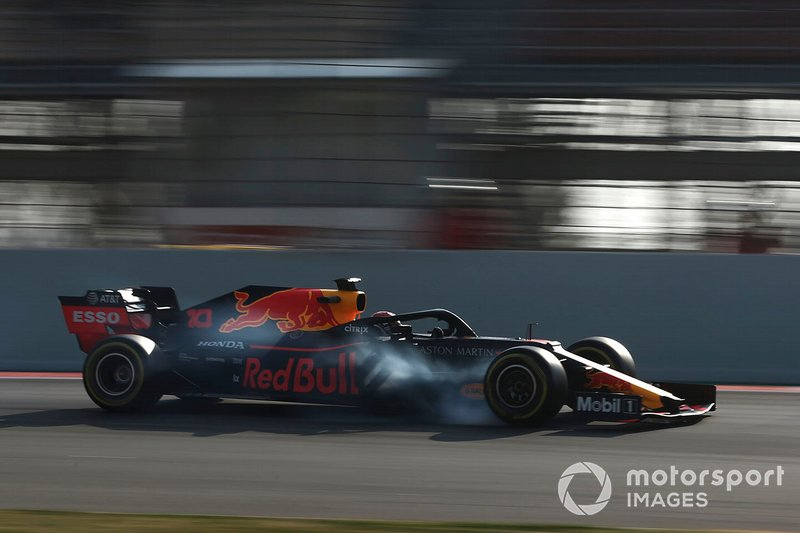 Pierre Gasly, Red Bull Racing RB15 bloque une roue