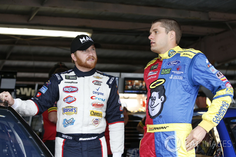 Chris Buescher, JTG Daugherty Racing, Chevrolet; David Ragan, Front Row Motorsports, Ford