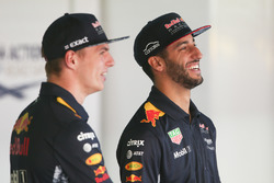 Max Verstappen, Red Bull, Daniel Ricciardo, Red Bull Racing