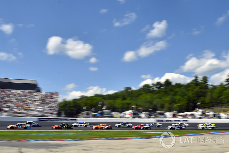 Clint Bowyer, Stewart-Haas Racing Ford, Kurt Busch, Stewart-Haas Racing Ford