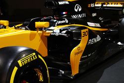 Renault Sport F1 Team RS17 sidepod detail