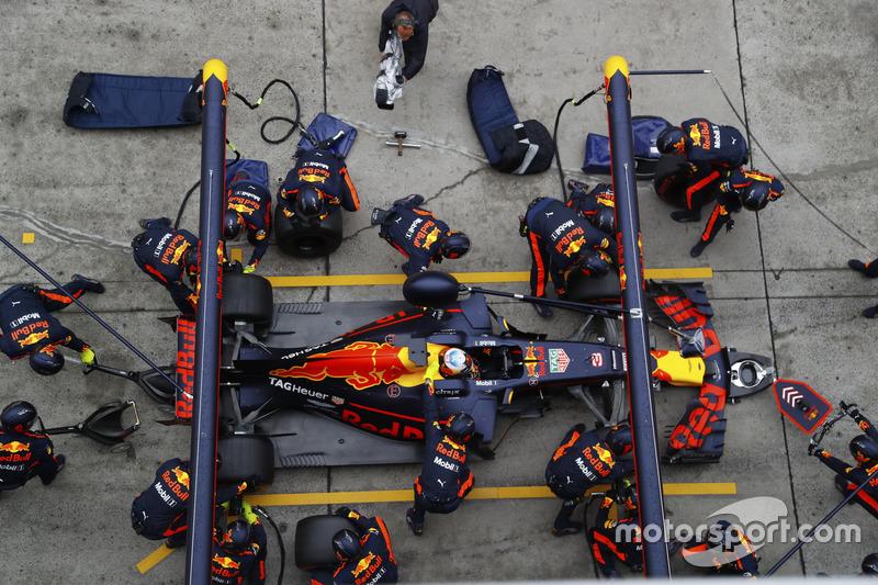 Daniel Ricciardo, Red Bull Racing RB13, Boxenstopp