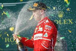 Sebastian Vettel, Ferrari con Champagne