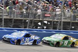 Matt Kenseth, Joe Gibbs Racing Toyota and Daniel Suárez, Joe Gibbs Racing Toyota