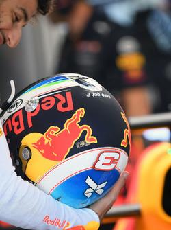 Даніель Ріккардо, Red Bull Racing RB13 та шолом