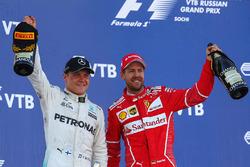 Подиум: победитель Валттери Боттас, Mercedes AMG F1, второе место – Себастьян Феттель, Ferrari