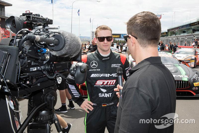#22 STM / HTP Motorsport, Mercedes AMG GT3: Maro Engel con los medios