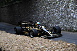Lotus 97T Chris Dinnage