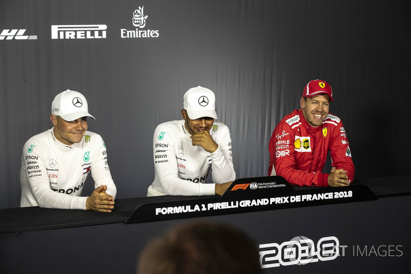 Valtteri Bottas, Mercedes-AMG F1, Lewis Hamilton, Mercedes-AMG F1 ve Sebastian Vettel, Ferrari Basın Toplantısı