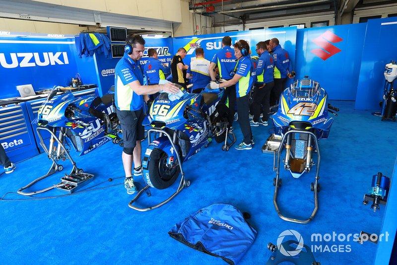 Il garage del team Team Suzuki MotoGP