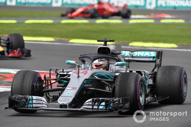 Hamilton klaagt over zijn banden