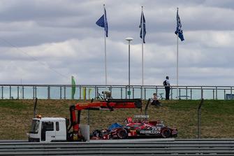#1 Rebellion Racing Rebellion R-13: André Lotterer, Neel Jani, Bruno Senna, after the crash