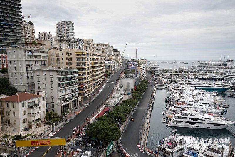 Lewis Hamilton, Mercedes AMG F1 W10, leads Lando Norris, McLaren MCL34