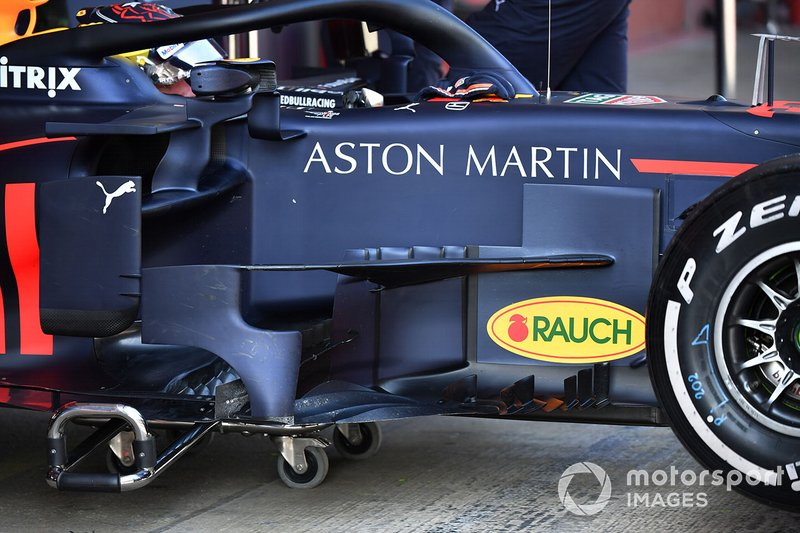 Red Bull Racing RB15, bargeboard