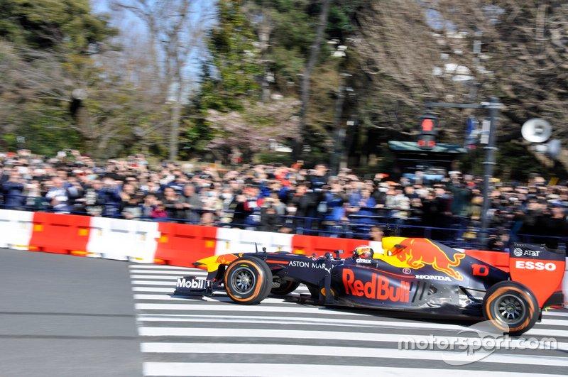 Formel-1-Showrun in Tokio