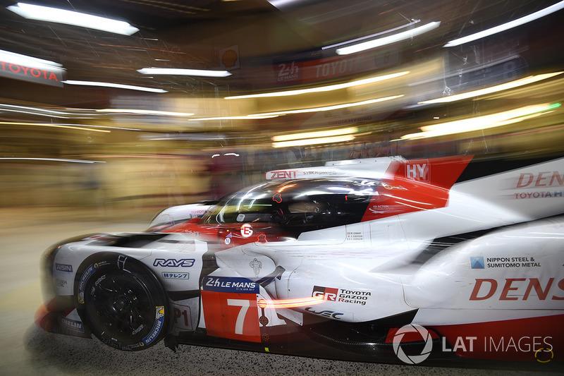 Jam ke-9: Pit stop terakhir bagi Toyota #7 sebelum alami masalah kopling