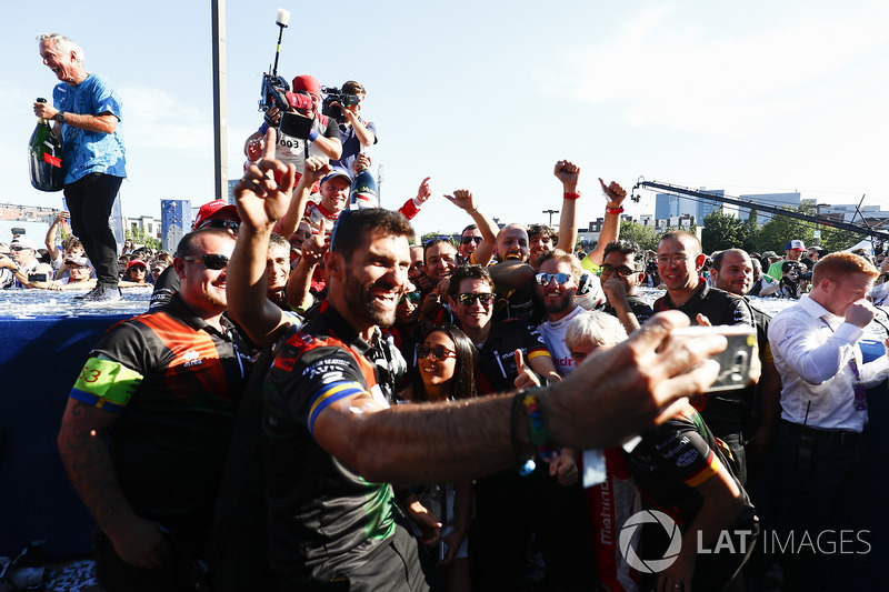 Felix Rosenqvist, Mahindra Racing, celebrates with his team