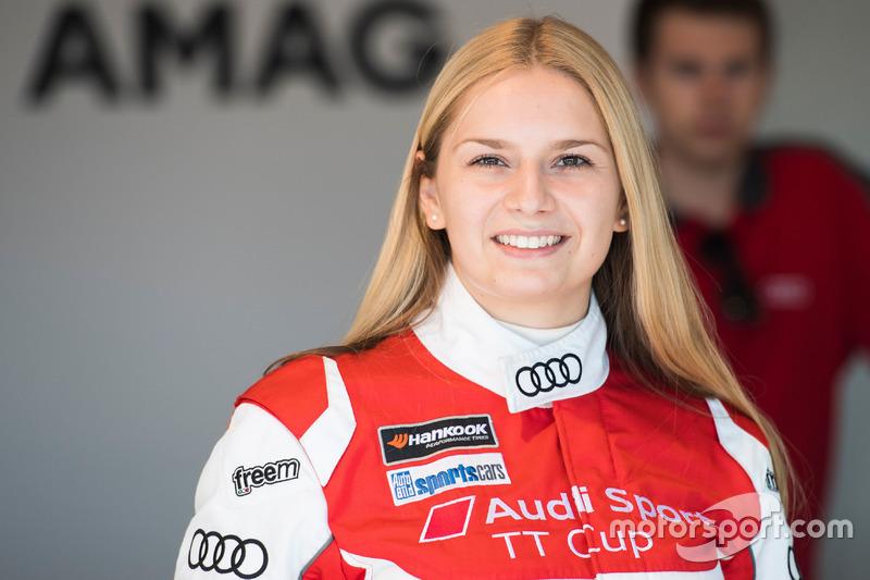 Fabienne Wohlwend (21)
