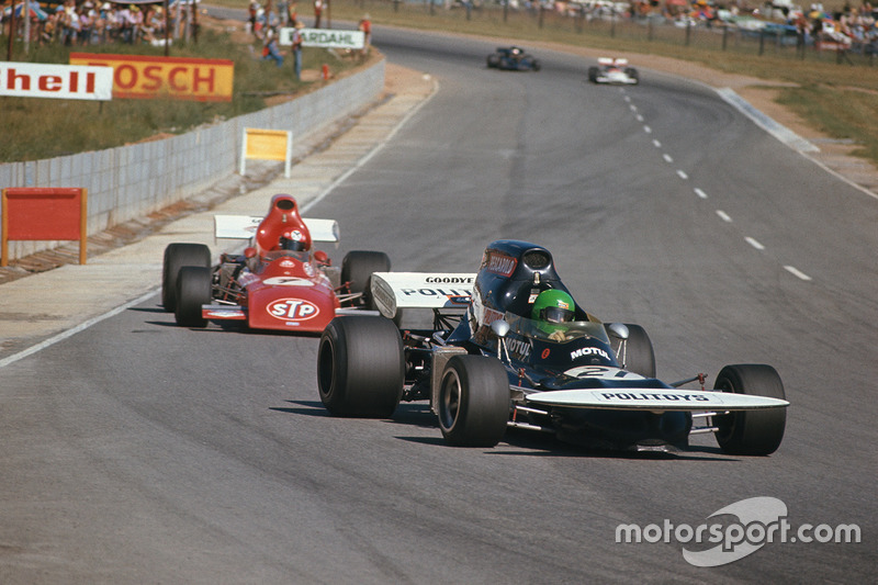 Henri Pescarolo, March 721 Ford lidera a Niki Lauda, March 721 Ford