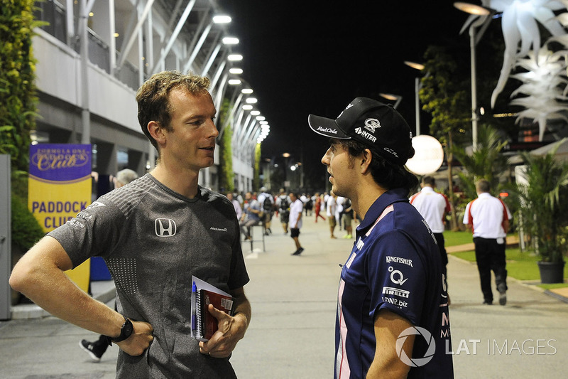 Mark Temple, McLaren-Rennigenieur, mit Sergio Perez, Sahara Force India