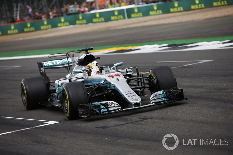 Lewis Hamilton, Mercedes AMG F1 W08, celebrates victory at the finish