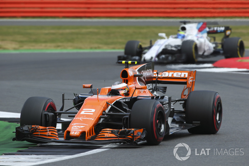 Стоффель Вандорн, McLaren MCL32, Феліпе Масса, Williams FW40