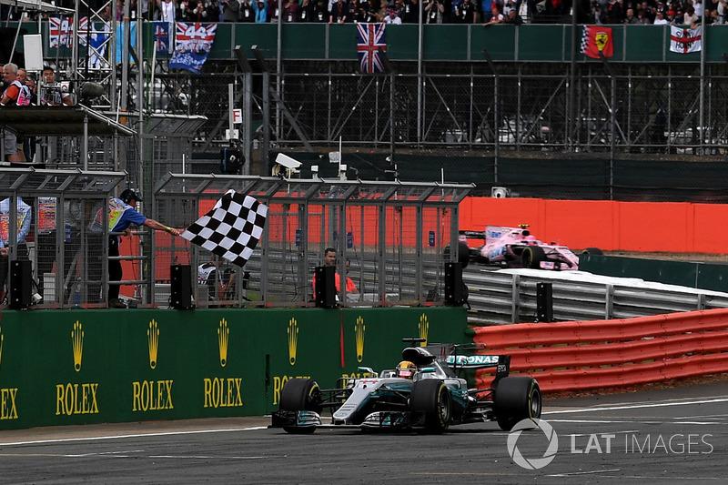 Льюіс Хемілтон, Mercedes AMG F1, фінішує