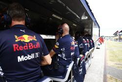 Les muret des stands Red Bull et Ferrari