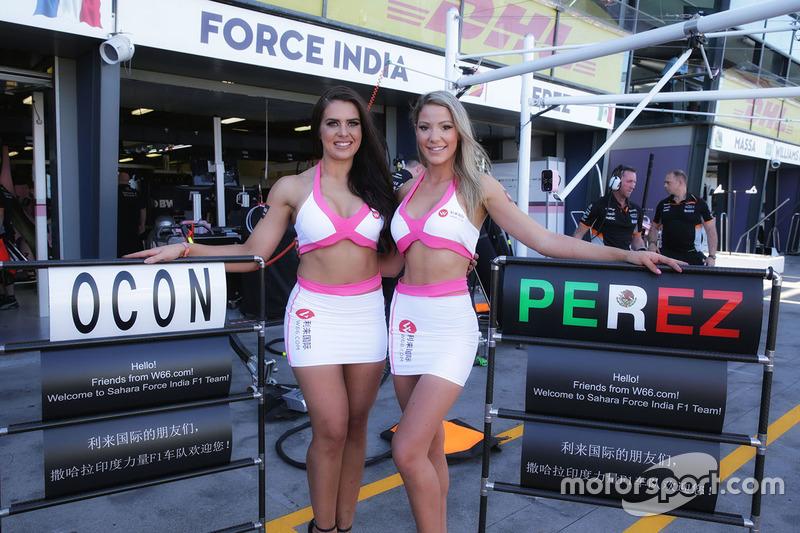 Gridgirls bei Force India