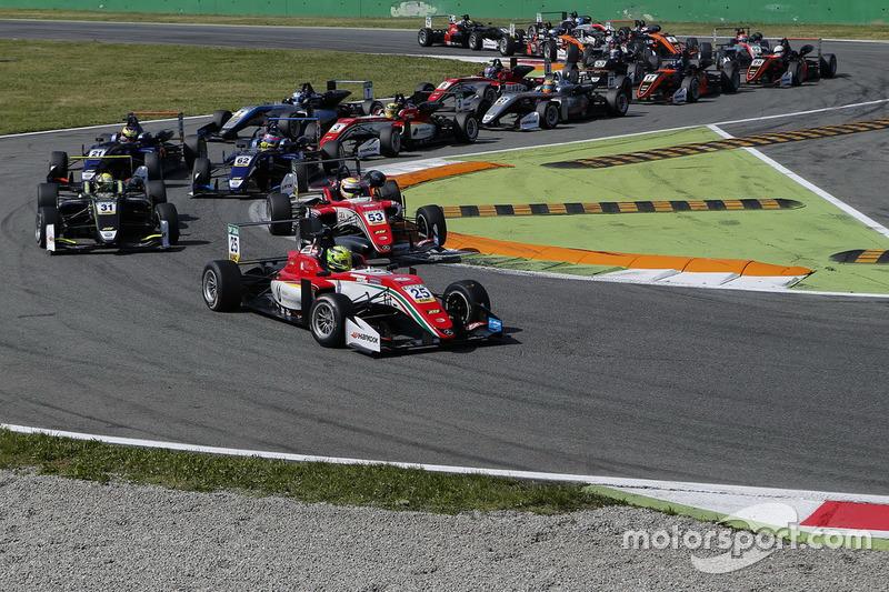 Mick Schumacher, Prema Powerteam, Dallara F317 - Mercedes-Benz at the start