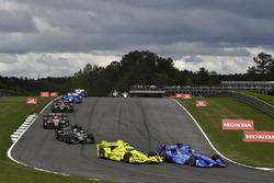 Scott Dixon, Chip Ganassi Racing Honda, Simon Pagenaud, Team Penske Chevrolet, Josef Newgarden, Team Penske Chevrolet