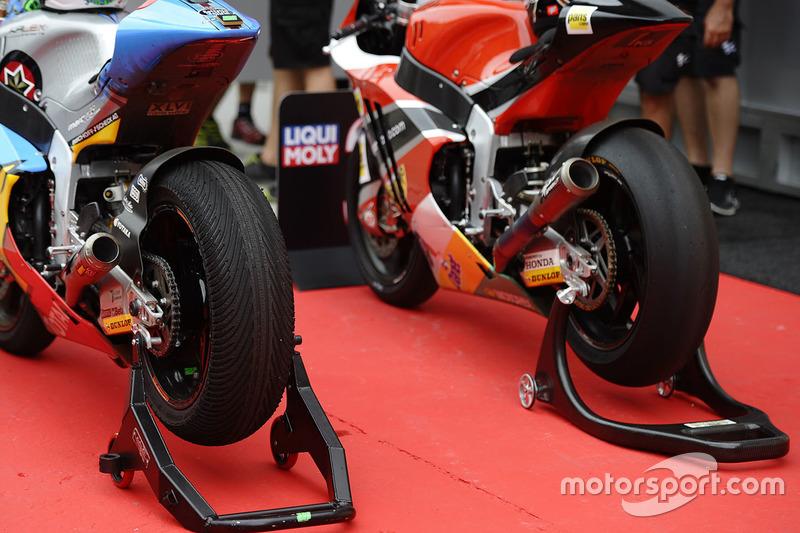 Axel Pons, AGR Team slicks tyres, Franco Morbidelli, Marc VDS wets tyres