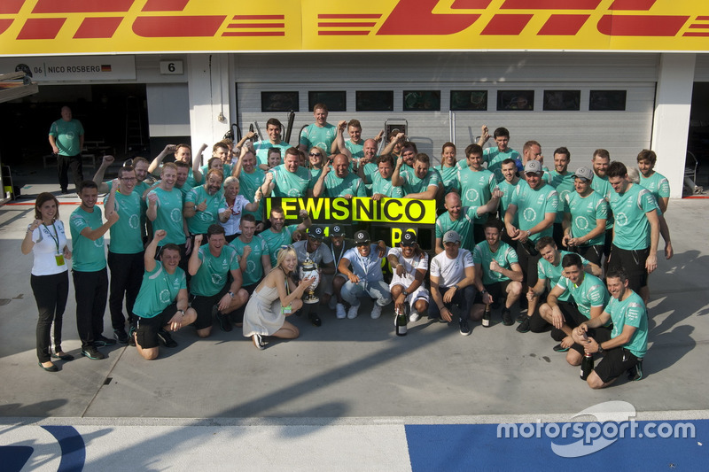 Mercedes AMG F1 Team celebrating the win