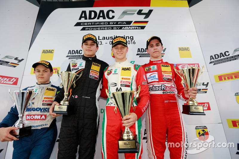 Podio: Mejor novato Felipe Drugovich, Neuhauser racing; 2. Kami Laliberté, van Amersfoort racing; 1.