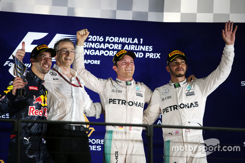 The podium (L to R): Daniel Ricciardo, Red Bull Racing, second; Nico Rosberg, Mercedes AMG F1, race winner; Lewis Hamilton, Mercedes AMG F1, third