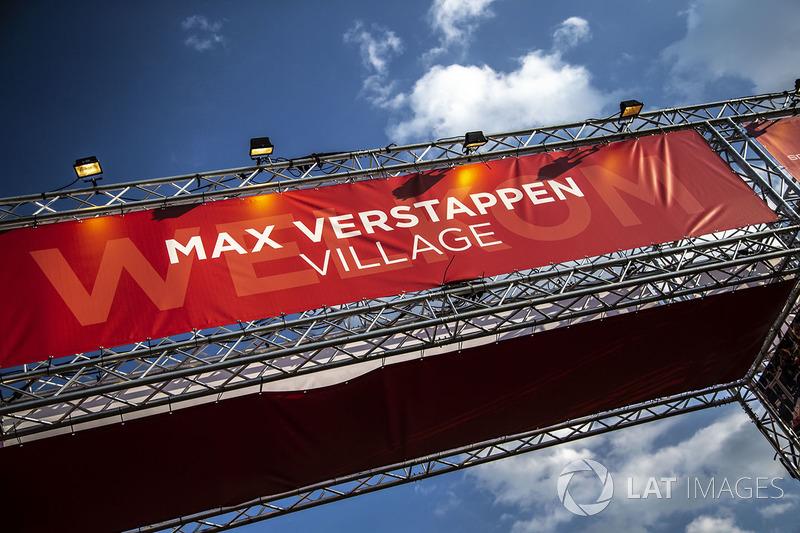 Le village des fans de Max Verstappen, Red Bull Racing