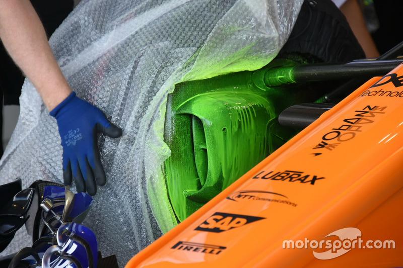 Ducto del freno delantero del McLaren MCL33
