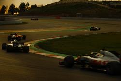 Kevin Magnussen, Haas F1 Team VF-18, Lance Stroll, Williams FW41, Sebastian Vettel, Ferrari SF71H and Marcus Ericsson, Sauber C37
