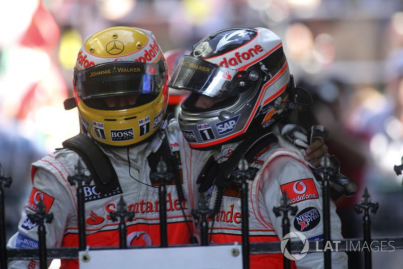 [Imagen: f1-australian-gp-2007-second-place-ferna...d-plac.jpg]