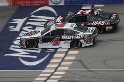 Kevin Harvick, Stewart-Haas Racing, Ford Fusion Jimmy John's Clint Bowyer, Stewart-Haas Racing, Chevrolet Camaro Haas 30 Years of the VF1