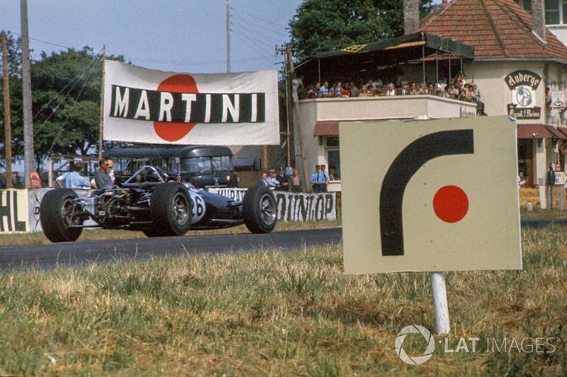 Формула 1 приезжала в Реймс еще дважды, в 1963 и 1966 годах. После этого ее машины стали слишком мощными и быстрыми для этих нешироких сельских дорожек…